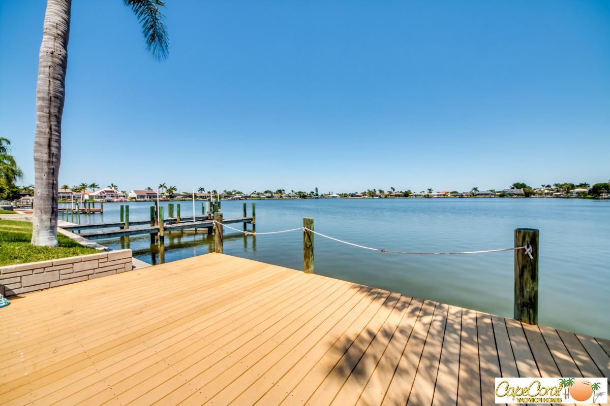 Eight Lakes Cape Coral Vacation Homes And Property