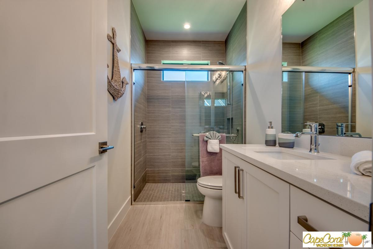 43-Guest Bathroom