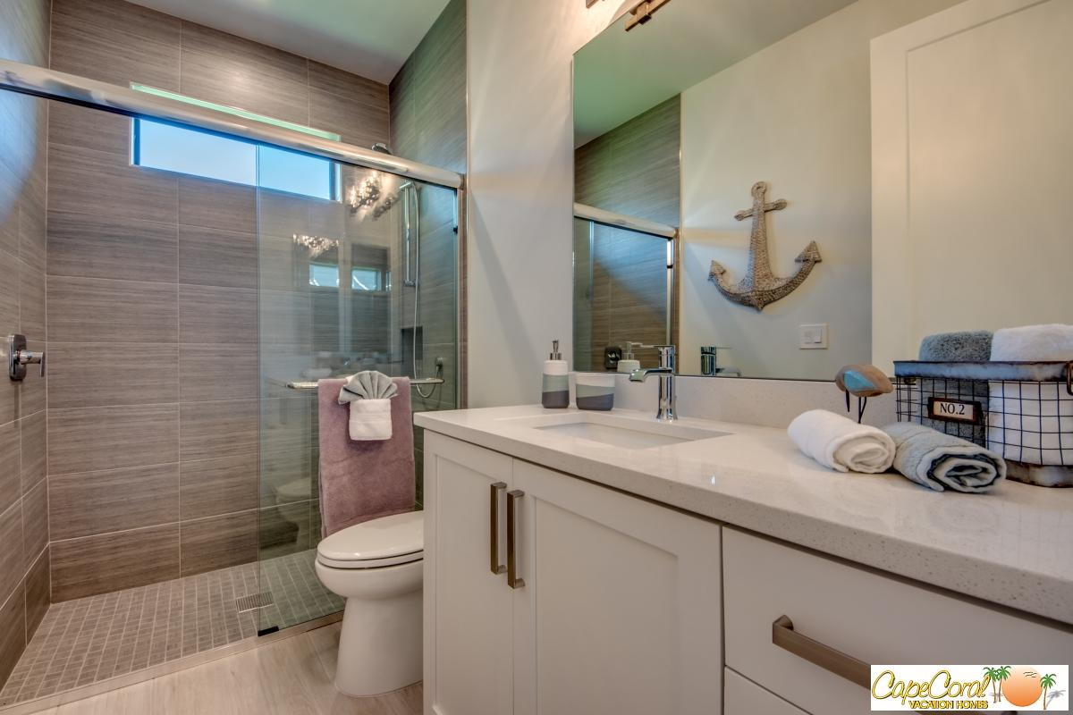 44-Guest Bathroom